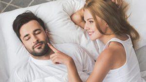 Penisul curbat în erecţie poate ascunde o boală de care suferă 5% dintre bărbaţi