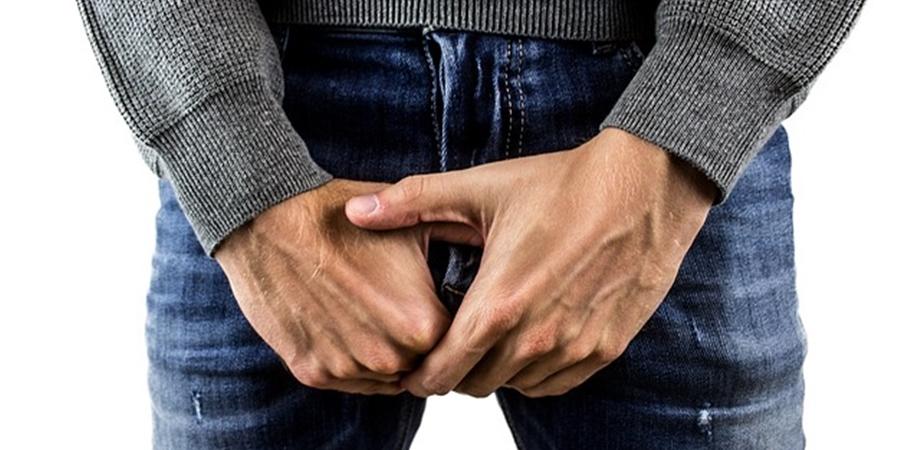 în timpul unui testicul de erecție
